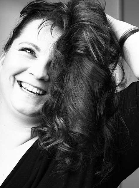 Unsere Anett. Zuständig für Prophylaxe im Team von Joy & Smile, Ihre Zahnärzte in Leipzig
