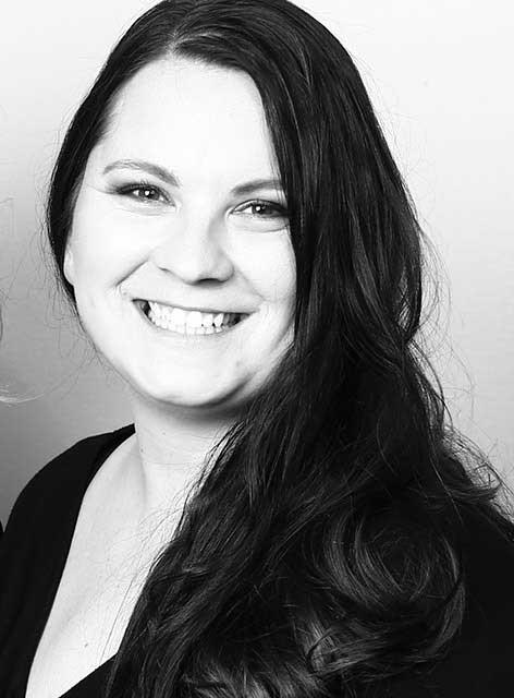 Anett. Zuständig für Prophylaxe im Team von Joy & Smile, Ihre Zahnärzte in Leipzig