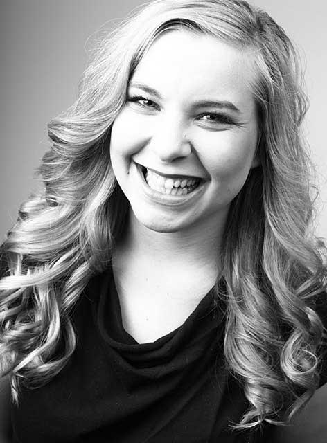 Luise. Zuständig für Assistenz im Team von Joy & Smile, Ihre Zahnärzte in Leipzig
