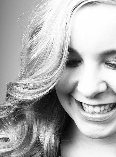 Unsere Luise. Zuständig für Assistenz im Team von Joy & Smile, Ihre Zahnärzte in Leipzig