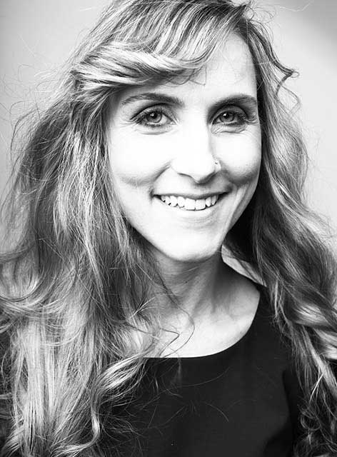 Diana. Zuständig für Prophylaxe im Team von Joy & Smile, Ihre Zahnärzte in Leipzig