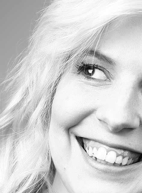 Unsere Susan. Zuständig für Assistenz und Teammanagement im Team von Joy & Smile, Ihre Zahnärzte in Leipzig
